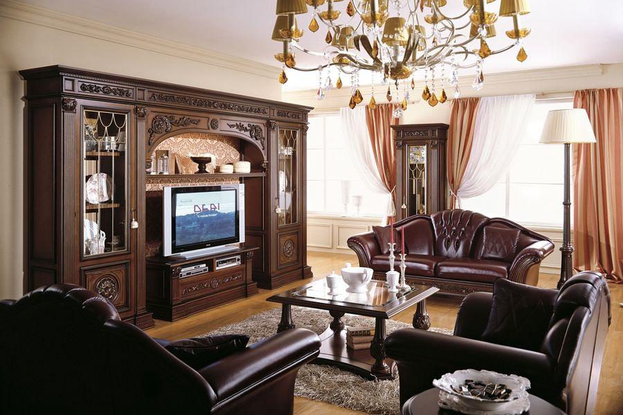 Гостиная в классическом стиле из натурального дерева выполненная по индивидуальному проекту